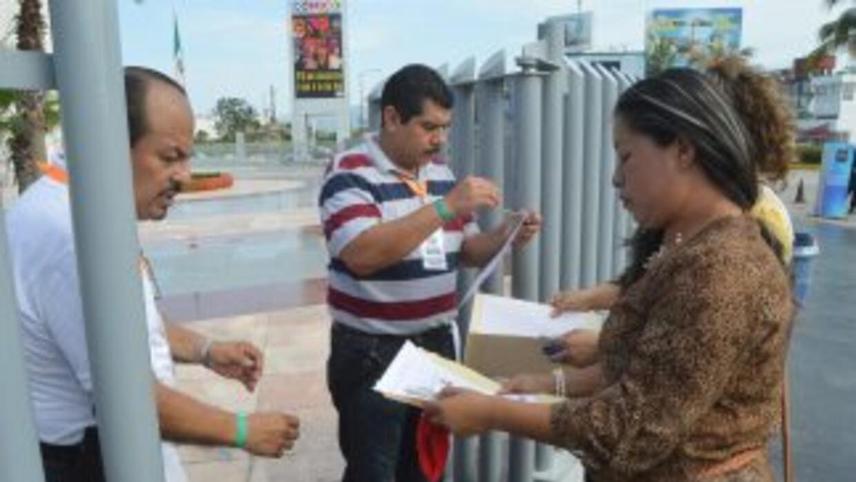 Maestros mexicanos realizaron su prueba de evaluación.