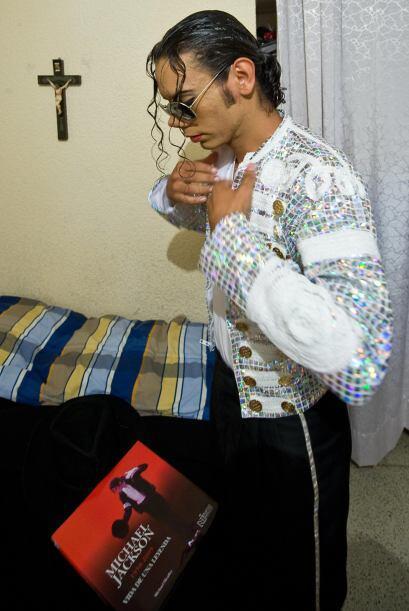 """Héctor es considerado """"el mejor doble de Michael Jackson"""" en México y en..."""