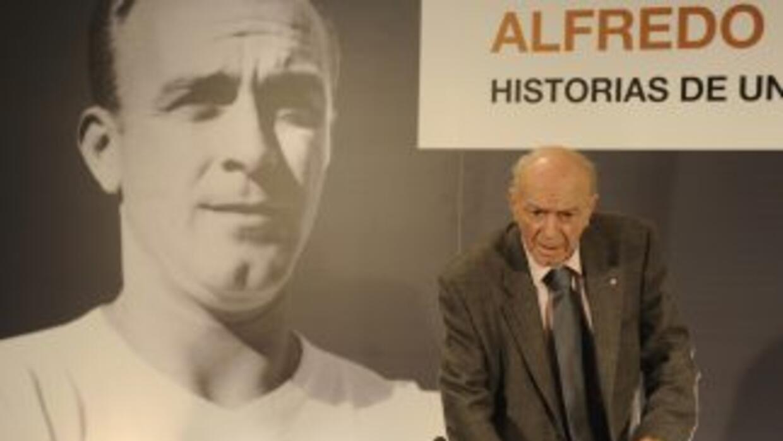 """Nuestra leyenda Alfredo Di Stéfano celebra hoy su 87º cumpleaños"", publ..."