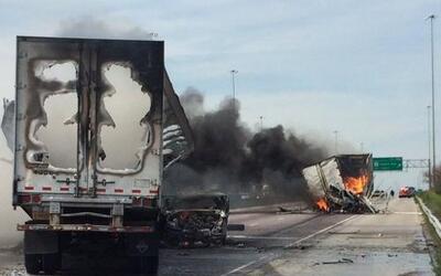Se desconoce si hay heridos en este accidente ocurrido en el Stevenson E...