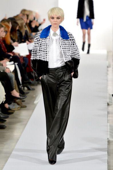 Faldas tubo jasapeadas, abrigos y 'jerseys' de cuello cisne, con delicad...