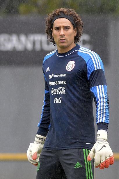 Memo Ochoa entrenando. Todo sobre el Mundial de Brasil 2014.