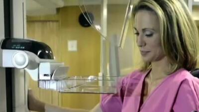 Periodista descubre tener cáncer de mama en un programa en vivo