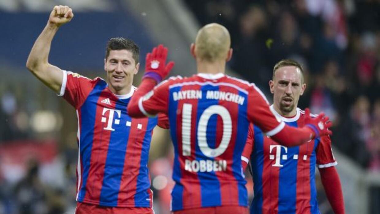 Lewandowski, Robben y Ribéry marcaron ante el Colonia en el Allianz Arena.