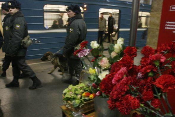 29 de marzo - 39 muertos y 73 heridos en el atentado de dos mujeres suic...