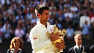 Djokovic se impuso por 6-7 (7/9), 6-4, 7-6 (7-4), 5-7 y 6-4 en la cancha...