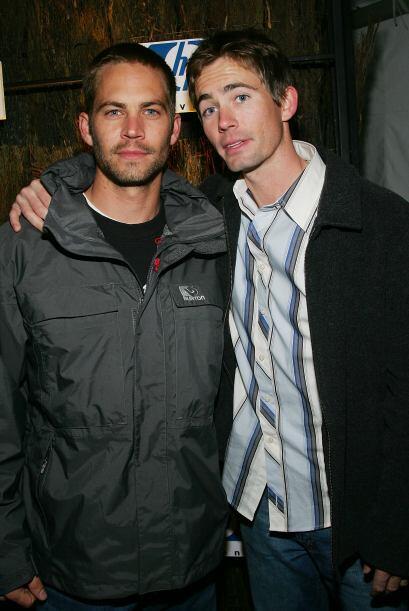 En enero de 2005, junto a su otro hermano, Caleb.