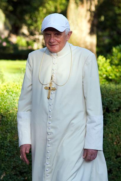 El Papa Benedicto XVI se traslada en sus vacaciones a la residencia Papa...