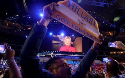 Políticos, artistas y activistas elogian a Hillary Clinton