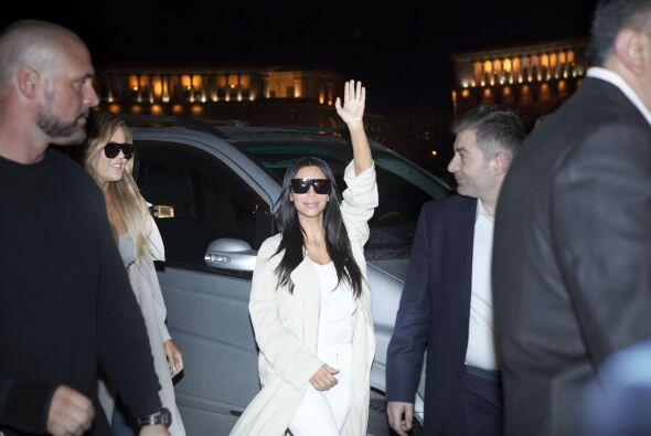 Kim, como toda una rockstar.