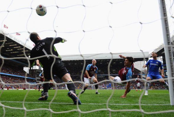 Aston Villa se lo dio vuelta y llegó al empate con tantos de Jame...