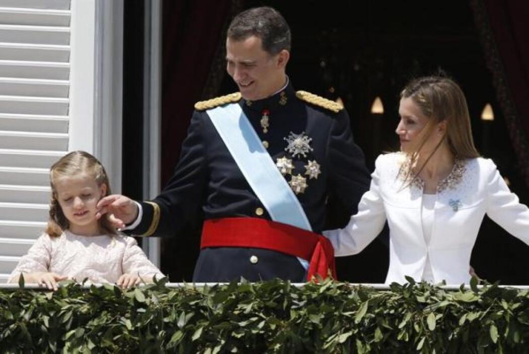 Un cariño del Rey para la princesa Leonor.