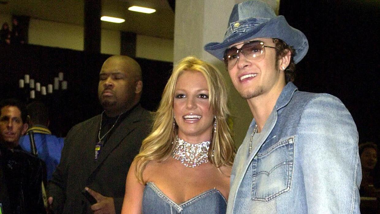 The 28th Annual American Music Awards Britney and Justin