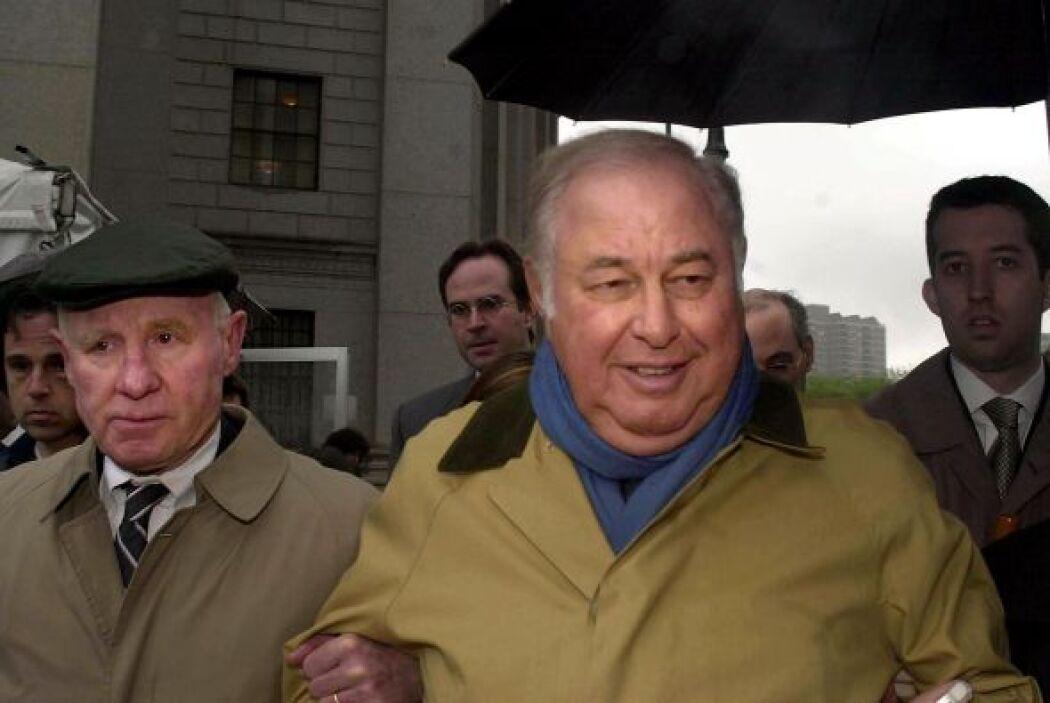 A Taubman también le fue impuesto el pago de una multa que superaba los...