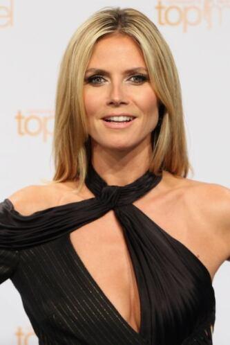 Algunas famosas lo usan mate, pero otras como Heidi Klum prefieren darle...