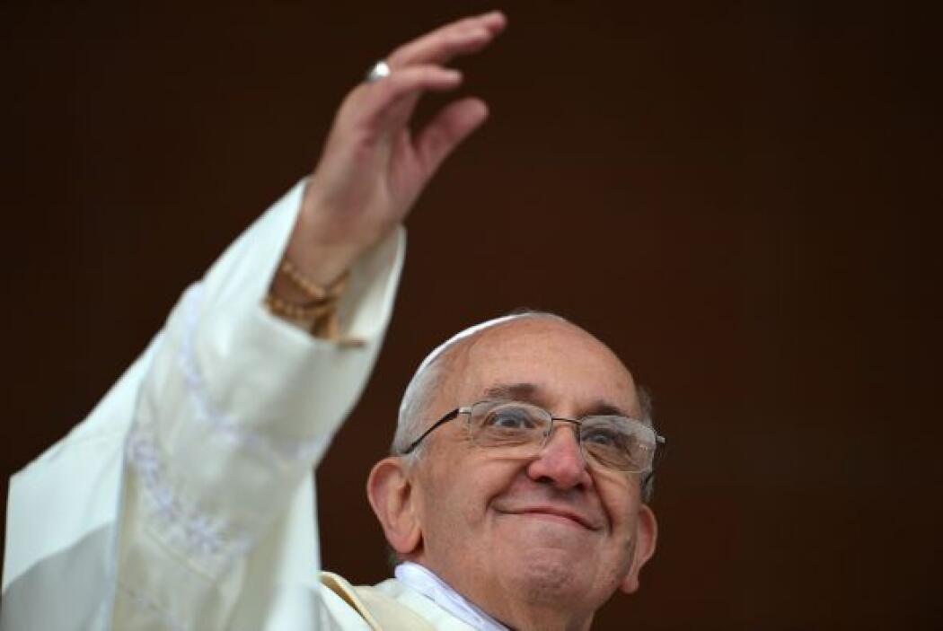 """También ha dicho que la Iglesia no puede hacer de """"niñera"""" de los cristi..."""
