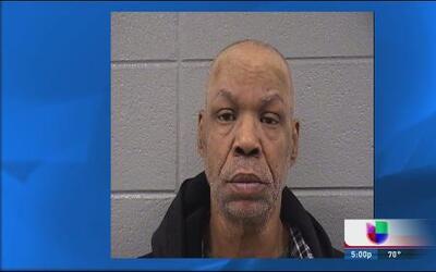 Acusan a sargento de la policía de Chicago de manosear a niña