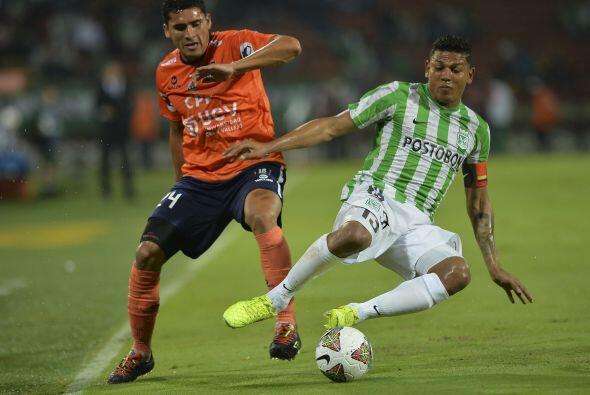 Los Rayados de Monterrey confirmaron la llegada del mediocampista colomb...