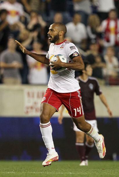El nuevo 'Capitnán América' del Red Bulls Thierry Henry, quien a base de...