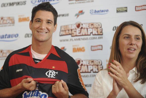 Thiago junto a Patricia Amorim, la presidente del Flamengo que está ´jug...