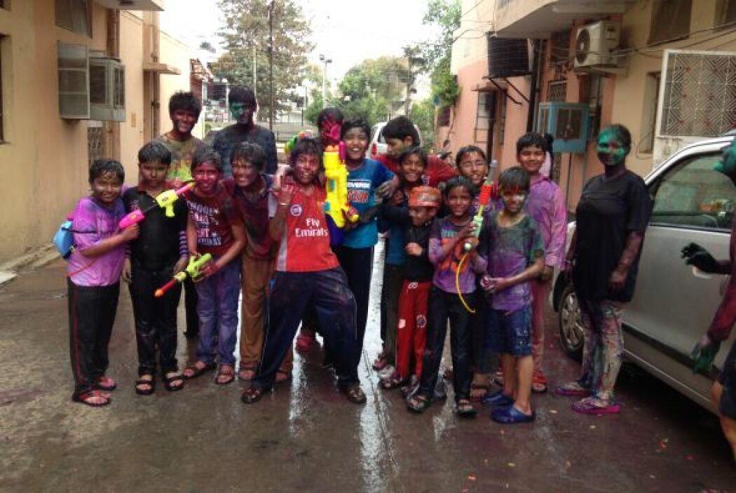 Las calles de India se llenaron este miércoles del sonido de tambores, c...