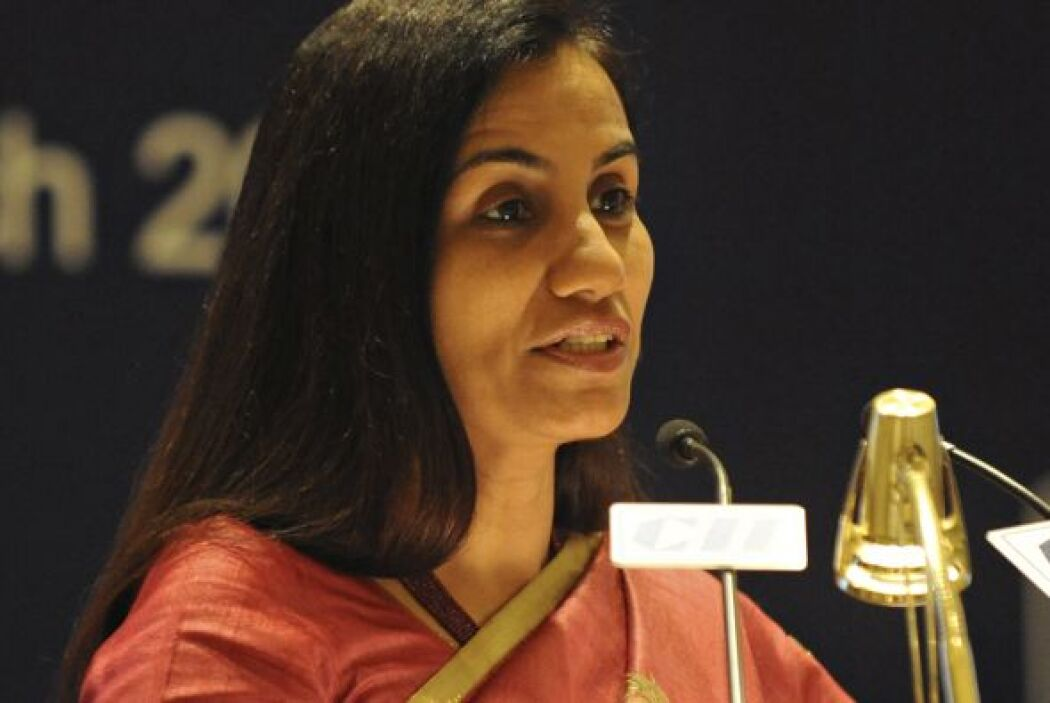43.- CHANDA KOCHHAR: Gerente general de ICICI Bank y su director ejecuti...