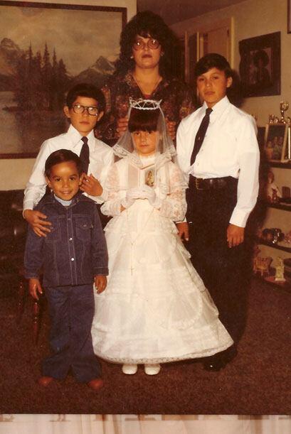 Desde niña, Jenni Rivera demostró que se puede saltar de la pobreza al é...