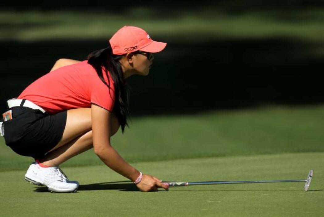 Michelle se hizo profesional en octubre de 2005, justo antes de celebrar...