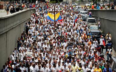 La marcha opositora de este sábado partió desde distintos...
