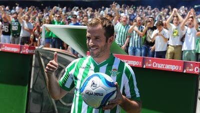 Rafael van der Vaart fue presentado con Betis: ''Todavía tengo fútbol po...