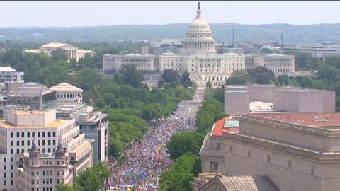Así se ve desde el aire la Marcha de los Pueblos por el Clima en Washington