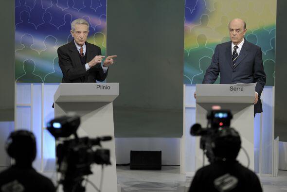Los candidatos participaron en un debate difundido en Internet.