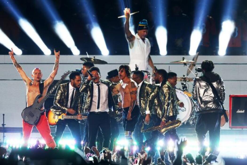 Compartió escenario con los picantes rockeros Red Hot Chili Peppers.