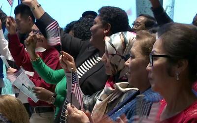 40 inmigrantes juramentaron como nuevos ciudadanos de los Estados Unidos