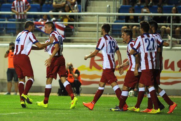 José Giménez hizo el segundo del Atlético  aprovechando un rebote .