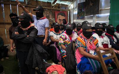 """Los zapatistas aseguraron que ante la época de los muros, """"n..."""