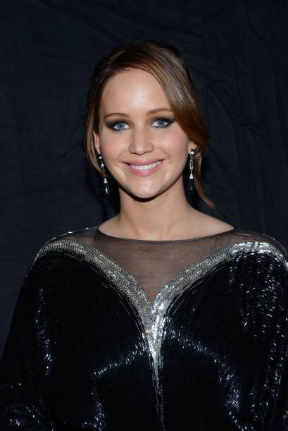 En los recientes People's Choice Awards varias famosas portaron esta ten...