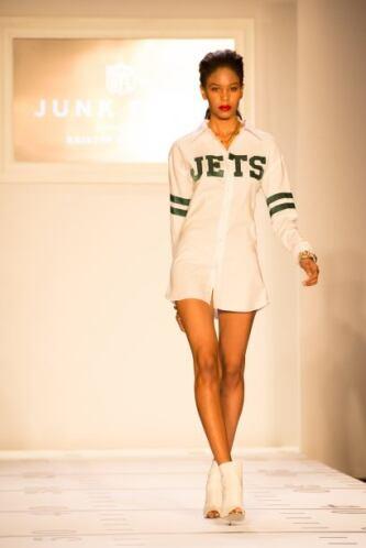 Si los Jets llegan al Super Bowl, consideren llevar una camisa así con u...