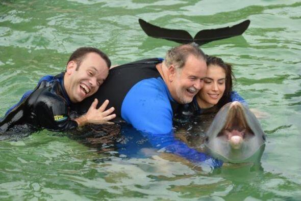 Raúl de Molina se fue acompañado de Jessica Cediel y Carlitos el product...