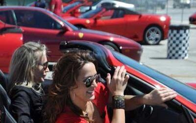 Cientos de dueños de distintos modelos del Cavallino Rampante llegaron p...