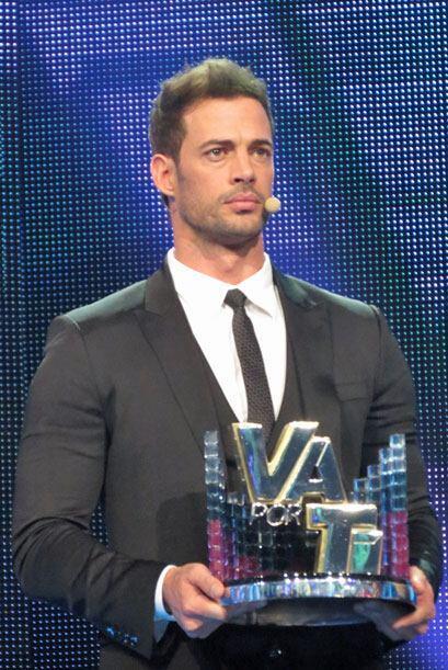 William entregó el trofeo de Va Por Ti.