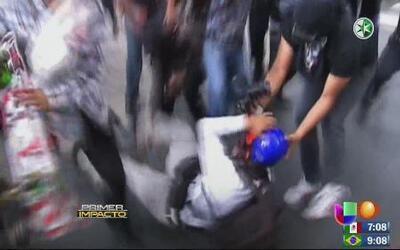 Violentas agresiones a periodistas durante una marcha en México