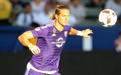 Shea deja Orlando para ir a Vancouver, Barnes hace el camino inverso.