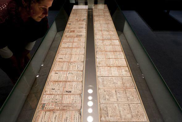 El llamado Códice Dresde, uno de los cuatro manuscritos mayas que...
