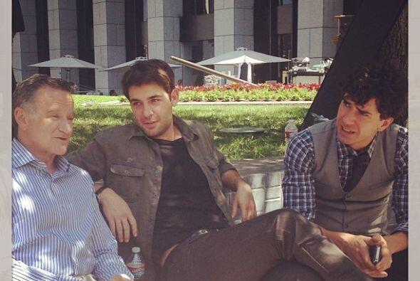 """Con mis niños en el set. jameswolk #hamishlinklaterthecrazyonescbs #cra..."