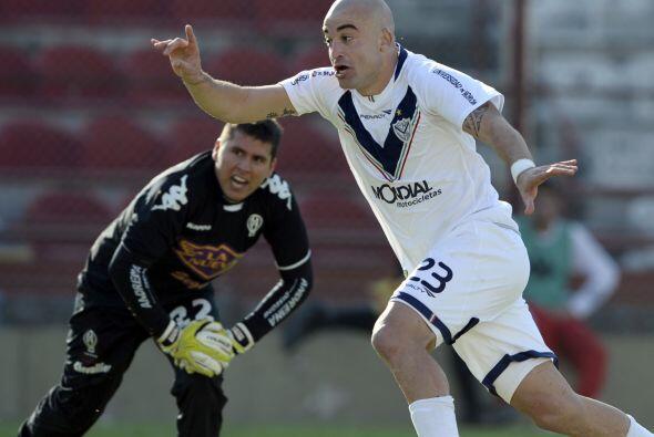 El uruguayo Santiago Silva abría el camino de los suyos.