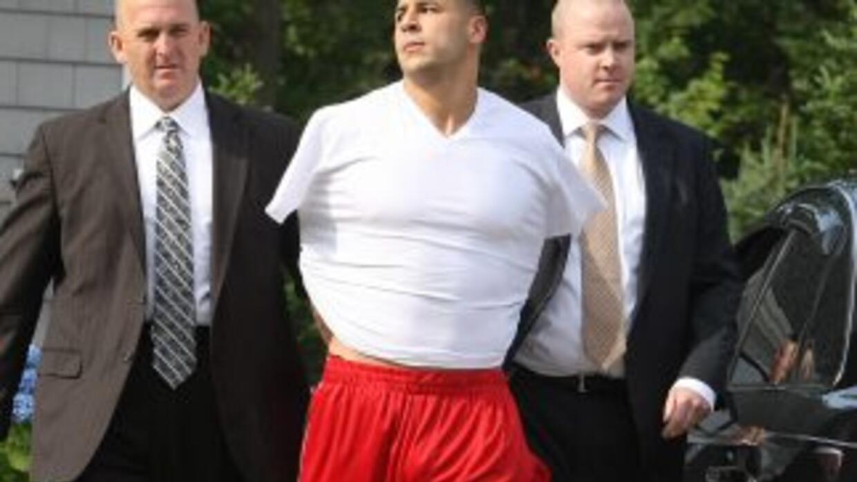 El jugador de la NFL, Aaron Hernández, al momento de su detención.