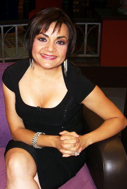 Lorena de la Garza se transforma en 'Nacasia'  en 'La hora Pico'