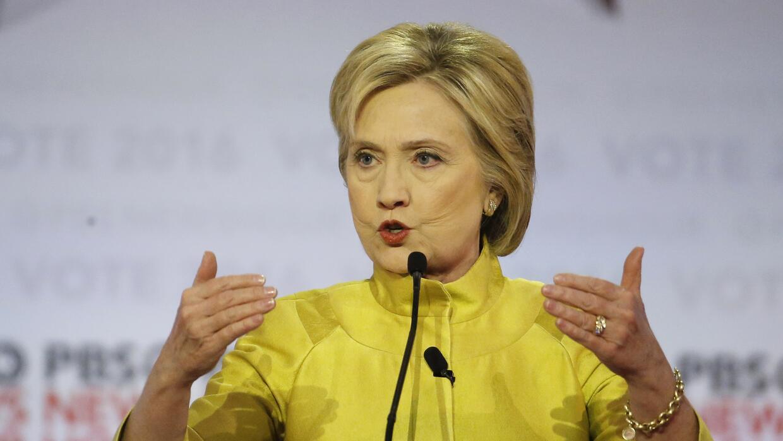 Los dardos que se lanzaron en el debate Clinton y Sanders en Wisconsin c...