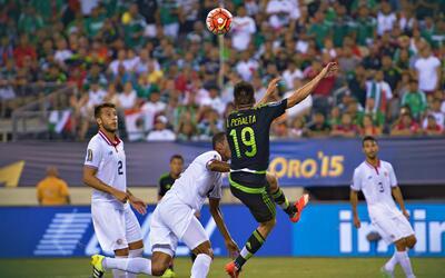 ¿Penal o clavado? Así fue el polémico último triunfo de México contra Co...